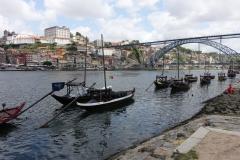 Zicht op Porto vanuit Vila Nova (met de brug gebouwd door Eiffel).